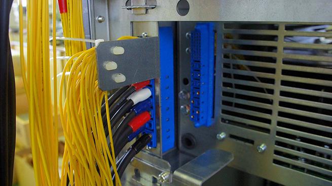 LED电源连接器解决方案